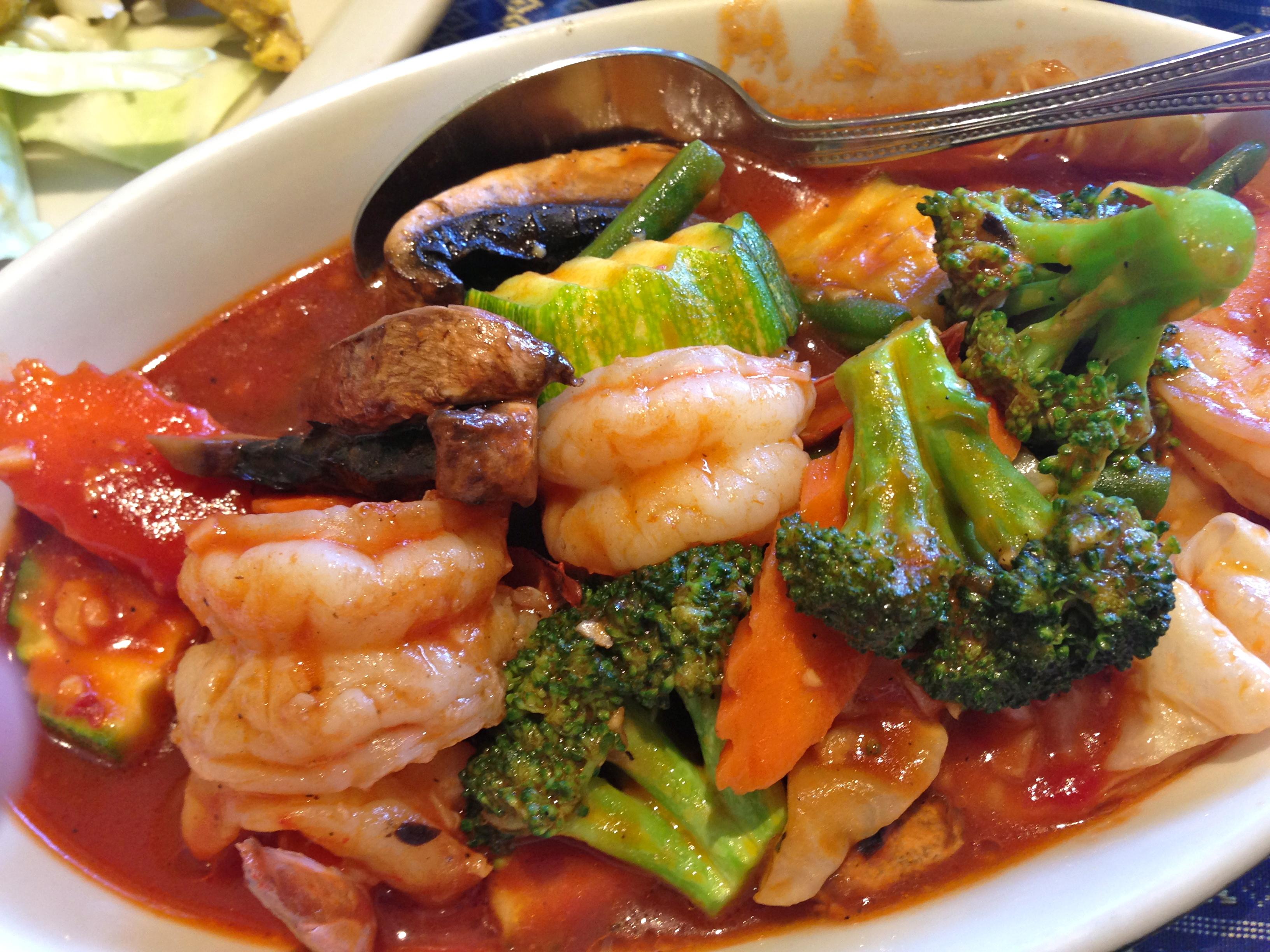 naung mai thai hilo hawaii feed the monster